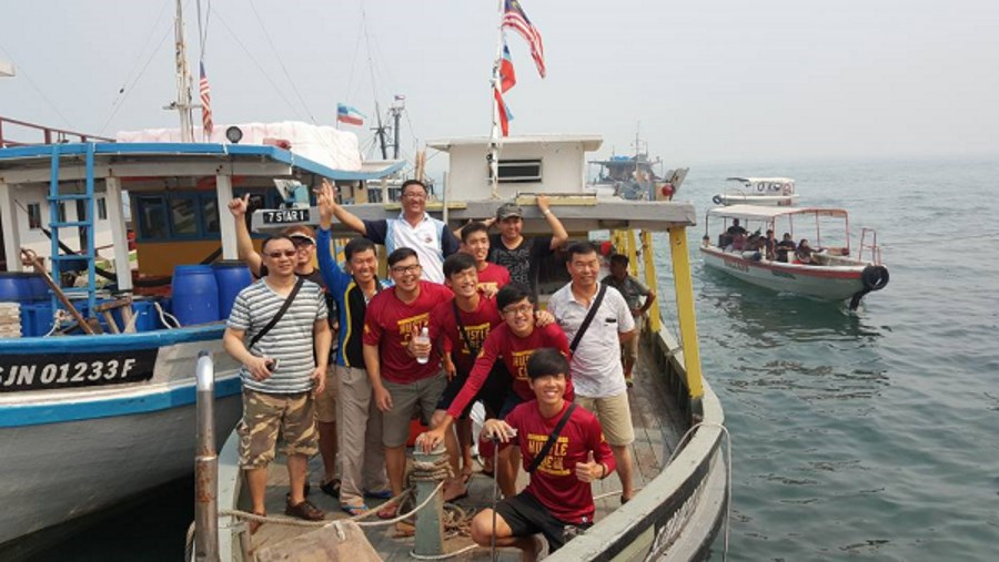 7 Star Fishing Boat Trip Singapore Apr 2016